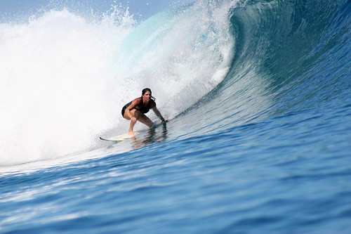 There are also girls riding the waves at Teahupoo... / Nisa + Ulli Maier