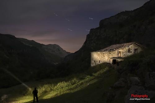 Cabaña en el Asón (Nocturna)