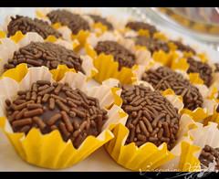 Brigadeiro (Jack Venancio) Tags: macro chocolate sony cybershot brigadeiro sonycybershotw35 jackvenancio delciiiiicia