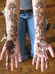 simple arabic style bridal henna (HennaLounge) Tags: wedding bride gulf arabic henna mehndi khalijee
