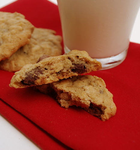 Oatmeal Raisinette Cookies CU