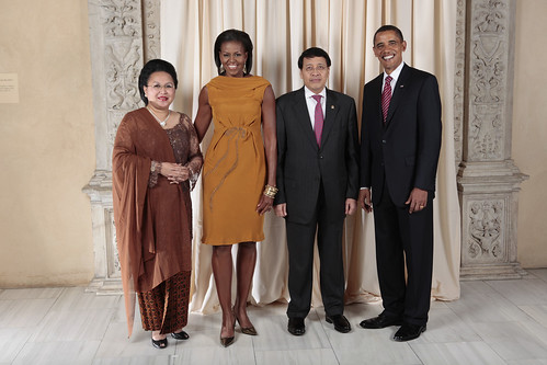 Minister of Foreign Affairs of Indonesia and his wife with the Obama