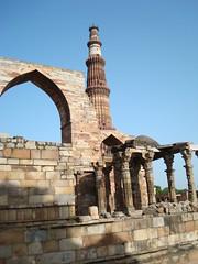 Another view of Qutub (digeye) Tags: delhi qutub