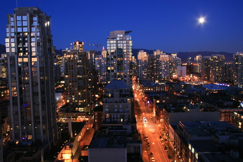 Yaletown Full Moon