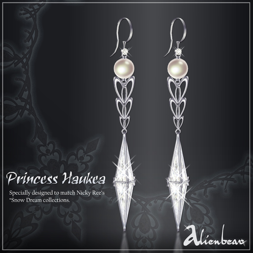 Princess Haukea earrings white