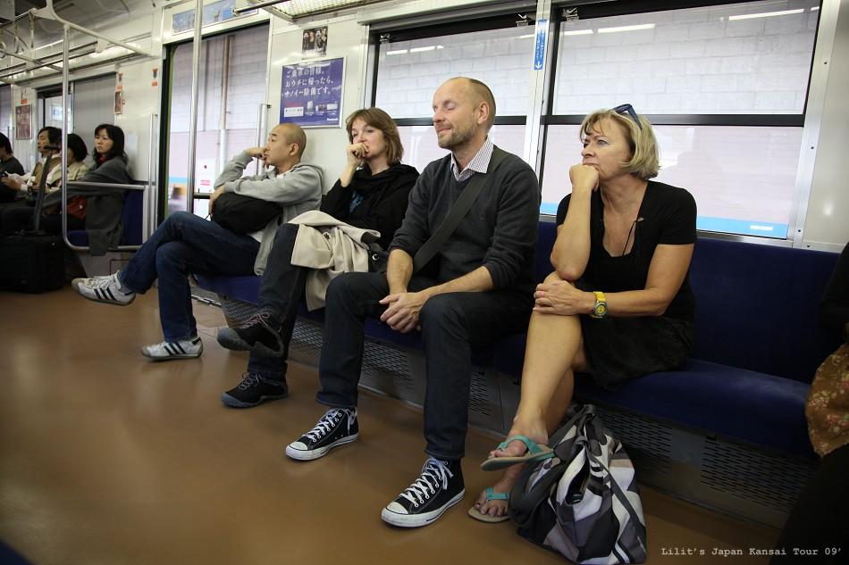電車上的外國人