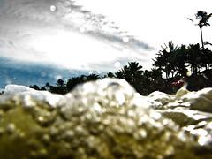 (Paula Marina) Tags: summer brazil praia beach water gua brasil sopaulo galeria wave vero summertime guaruj xxxx regata waterproofcase g9 summer2010 onmda gettyvacation2010 paulamarina