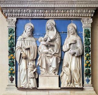 Andrea della Robbia, Madonna col Bambino tra San Giovanni Gualberto, la Beata Umiltà e due devoti, 1520 cq. Vallombrosa (Reggello), Santa Maria Assunta