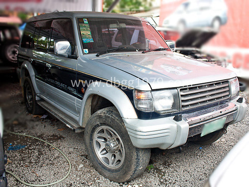 Car for Sale - 2002 Mitsubishi Pajero (Silver)