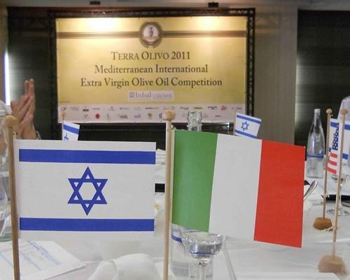 """Concorso """"TerraOlivo Gerusalemme 2011"""", premio all'azienda olearia di San Giorgio Morgeto dei fratelli Fazari"""