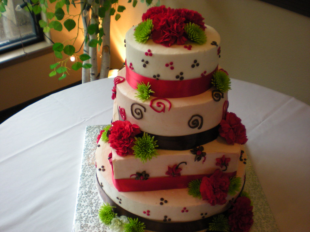 red and green wedding cakes the world s best photos by simplicitycakes flickr hive mind 19081