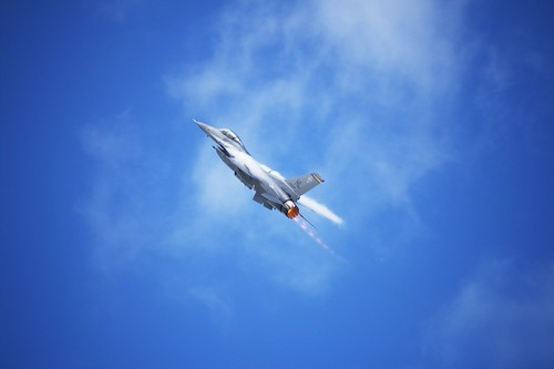 Air Show: F16 (by John Brainard)