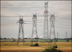 Electricity pylons (ichael C.) Tags: landscape photo nikon electricity session pylons paysage electrique electricit d40 pylnes 29062008