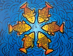 Centre of the ocean #1 (J-T-M) Tags: fish swimming symmetry escher