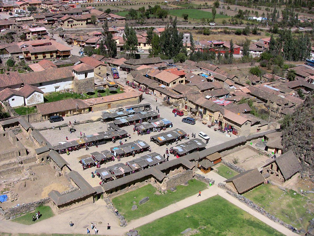 Ollantaytambo Peru 0258-Market.jpg