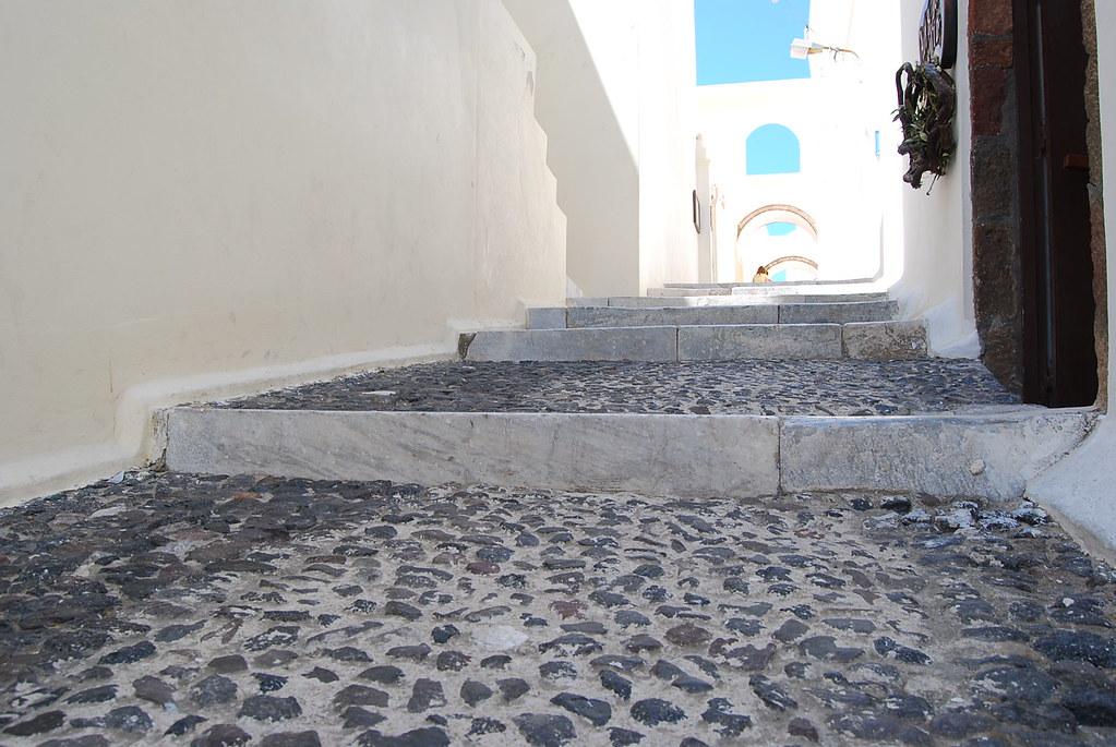 Las calles empedradas de Fira