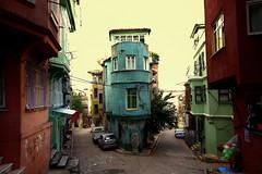 (nilgun erzik) Tags: istanbul fenerbalat sokaklar fotografkıraathanesi fotografca sonbaharadogru biyerlerde eylul2009
