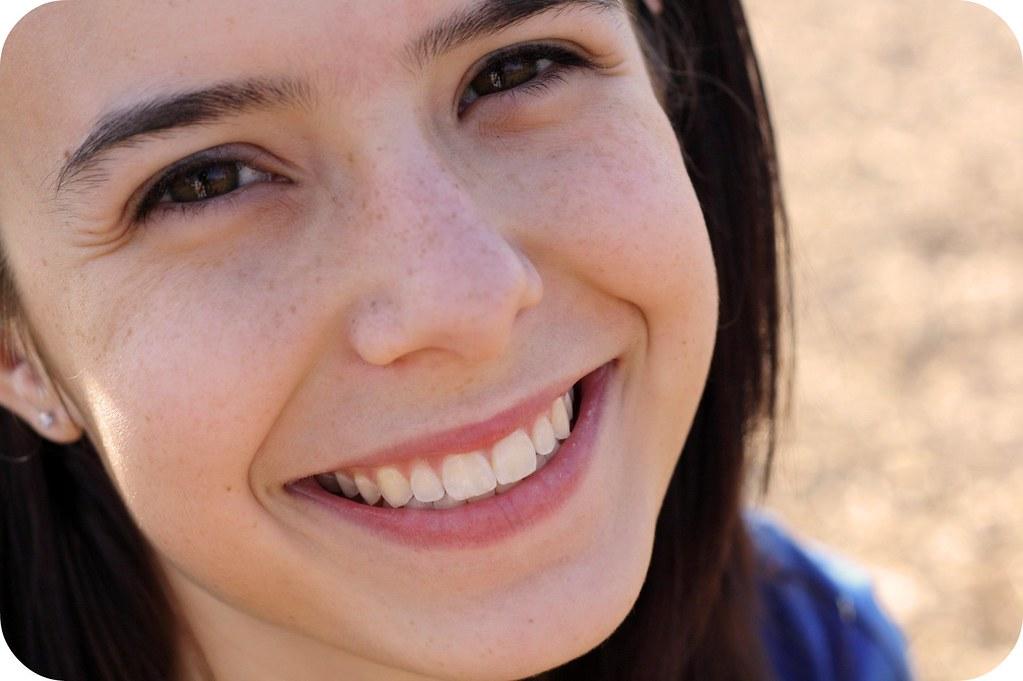 Cute face.