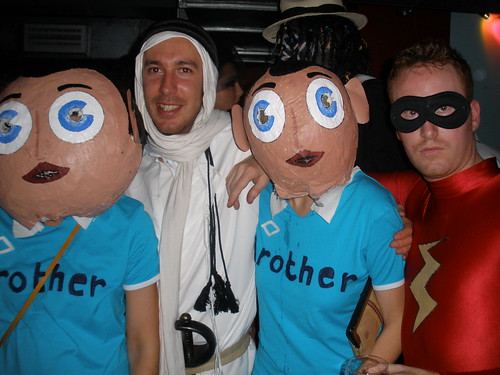 Frank Sidebottom withLawrence of Arabia, little Frank and Wrestler