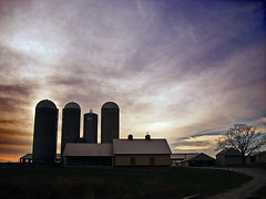 Lancaster County farm (by: Nicholas T, creative commons license)