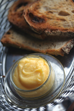 lemon curd and bread