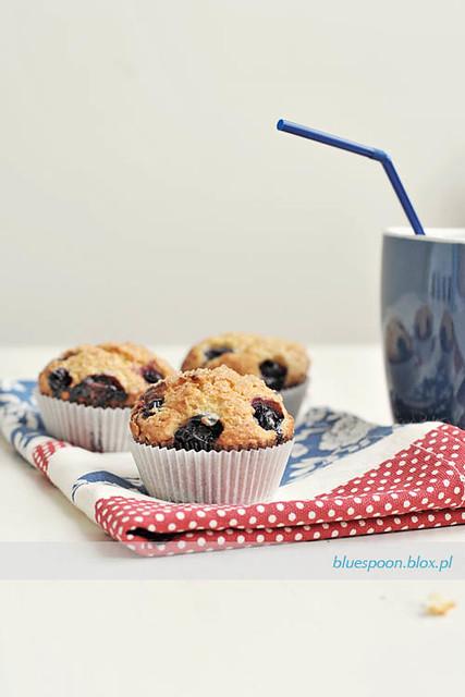 muffinki z serem ricotta i jagodami - przepis i zdjecie