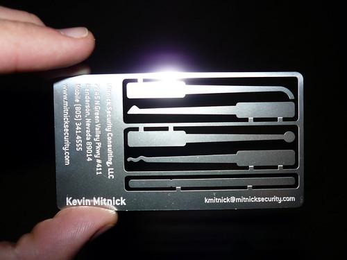 Tarjeta de presentación de Kevin Mitnick