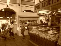 Pollera (San_Tiago) Tags: de mercado cadiz polleria abastos lalneadelaconcepcin