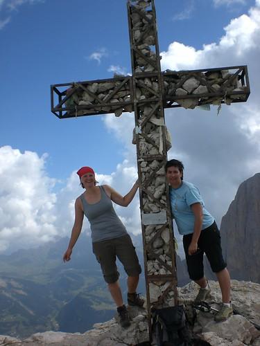 Gipfelkreuz am Plattkofel in den Dolomiten