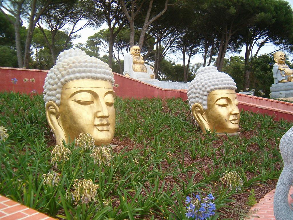 jardim buddha eden quinta dos loridos bombarral