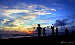 Sunset Drama @ Kalutara (Chinthaka Sri Lanka) Tags: blue girls sunset sea people orange beach boys clouds children surf waves play action indianocean kites srilanka nina tread kalutara chinthaka kalido dilky tharuka