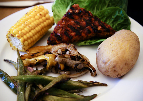 Dinner: Grilled Tempeh with Peppers, Onions, Runner Beans, Potatoes and Corn