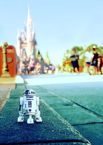 R2-D2 at Disney World