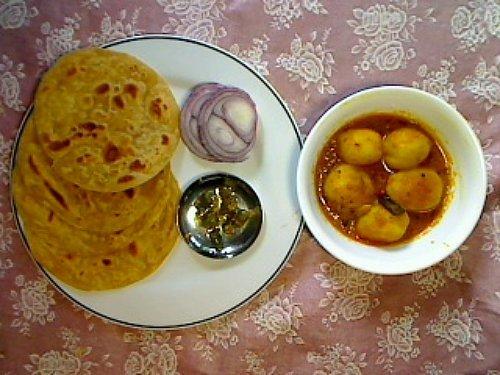 Aloor Dum with Parathas