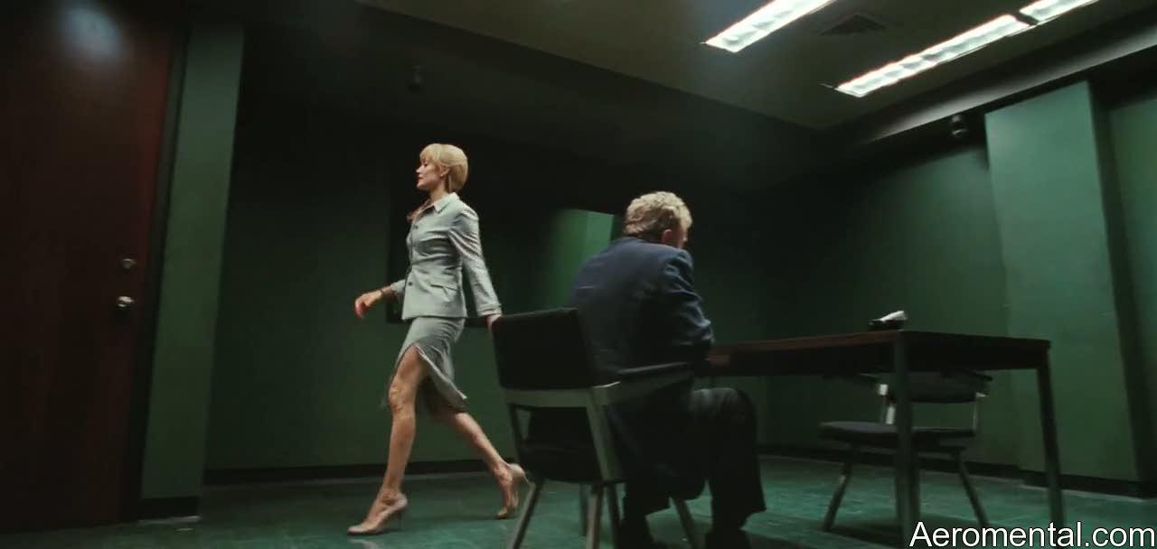 Angelina Jolie Salt piernas