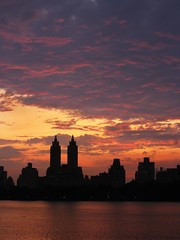 IMG_4450 Central Park Sunset (Dirk Darkroom) Tags: newyork centralpark manhattan jacquelinekennedyonassisreservoir