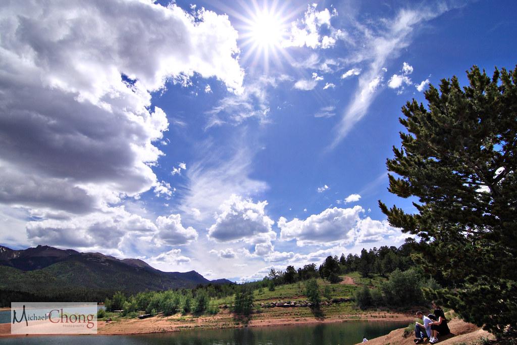 IMAGE: http://farm3.static.flickr.com/2523/3718525403_9e8835468b_b.jpg