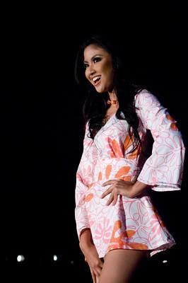 Zivanna Letisha Siregar, Miss Indonesia 2009, models fashion wear