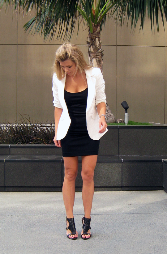 lbd-little-black -dress-white-blazer-15