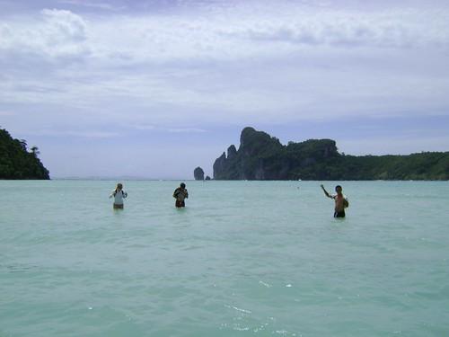 Playa poco profunda en Phi Phi