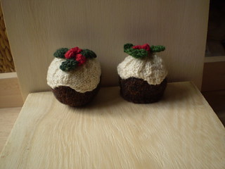 Free Knitting Pattern Christmas Pudding : Ravelry: Christmas Puddings pattern by Frankie Brown
