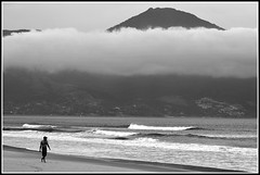 Alone (Serlunar) Tags: brazil bw brasil photo flickr foto pb bn paulo so ilhabela kartpostal the4elements thebestofday gnneniyisi serlunar bemflickrbembrasil peopleenjoyingnature coppercloudsilvernsun