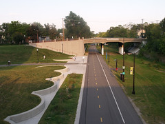Midtown Greenway - Chicago Avenue ramp