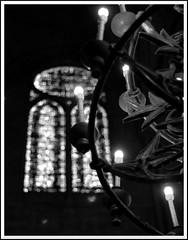 (RossaMalPelo) Tags: bw paris notredame chandelier notredamedeparis parigi candelabro veterinarifotografi