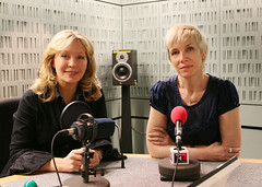 Kirsty Young and Annie Lennox (Steve Bowbrick) Tags: music bbc singer radio4 annielennox desertislanddiscs kirstyyoung