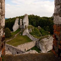 IMG_0946 (psaid) Tags: building castle ruins ruin poland polska ruina zamek małopolska budynek ruiny budynki ogrodzieniec zamki budowle budowla średniowiecze maopolska ma³opolska redniowiecze