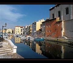 Martigues, Venise provençale (dubus regis) Tags: france reflection church port alpes boat canal marseille olympus reflet cote provence bateau venise église reflets dazur martigues canaux pointu provençale artofimages bestcapturesaoi bestofmywinners mygearandmepremium