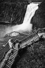 Chute Montmorency (Philipp Klinger Photography) Tags: city light shadow white canada black tree green nature water stairs landscape high quebec falls qubec philipp montmorency chute qc height kanada klinger boischatel dcdead