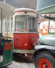 Traffic jam Paris/Lille/Leeds (Amsterdam RAIL) Tags: bus tn trolley tram renault tcc lille streetcar autobus tramway ratp strassenbahn tramvaj electrico tranvia tramvia mongy londoncountry ligne21 amitram elrt busratp lilleroubaixtourcoing snelrt ratp2338