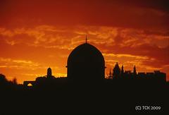 Sunset, Dome of the Rock (majortom16) Tags: sunset colour film architecture 35mm israel minolta kodak muslim jerusalem middleeast domeoftherock mosque transparency ektachrome e100vs x300s